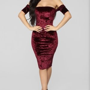 Off the shoulder velvet midi dress
